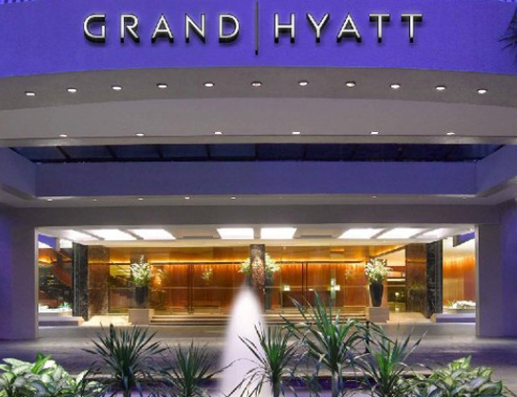http://www.eurekasingapore.com.sg/resources/content/projects/140417115707_1280x427xGrand-Hyatt-Singapore-P432-Hotel-Exterior-1280x427.jpg.pagespeed.ic.lUoqP2Bioi.jpg